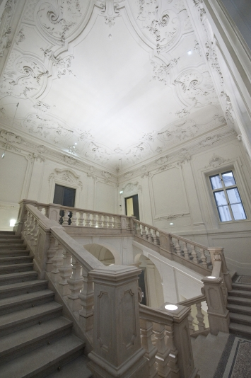 Stiegenhaus der Neuen Galerie Graz, Foto: Universalmuseum Joanneum