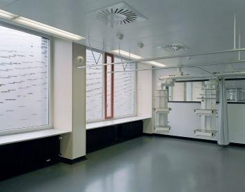 Hugo Suter, «Vorschein, Schimmern», 2002, Stadtspital Triemli, Fachstelle Kunst und Bau, Amt für Hochbauten, Stadt Zürich, Foto: Georg Aerni