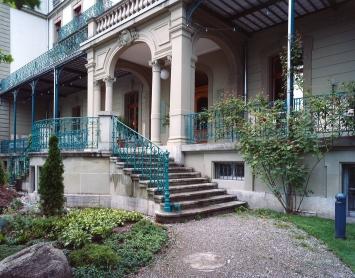 Thunerhof Terrasse, Eingang Kunstmuseum, Foto: David Aebi