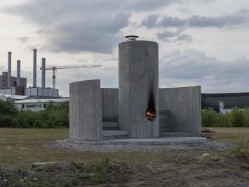 Oscar Tuazon, Burn the Formwork [Verbrennt die Verschalung], 2017, Skulptur Projekte Münster 2017, Foto: Henning Rogge