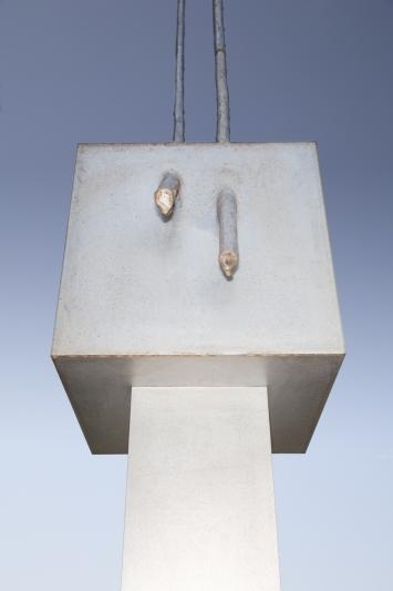 Richard Tuttle,Replace the Abstract Picture Plane II, 1997,Plastik, Aluminium und Marmor, 460x90x55 cm, Kunsthaus Zug, Dorfstrasse 27, Eigentum Kunsthaus