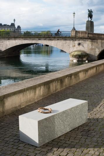 Una Szeemann,Les mains négatives, 2020,Courtesy: die Künstlerin und TART, Zürich