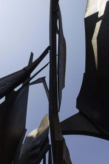 Mathias Walther, Kalesija–Zug, 2012,Installation, Metall, 60x60x0,8 cm, Beim Hafen, Siehbach, Eigentum Stadt Zug