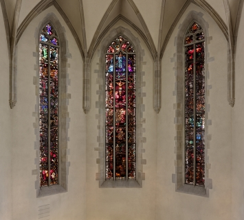 Augusto Giacometti, Glasfenster in der Wasserkirche, 1940-1943, Zürich. Fachstelle Kunst und Bau, Amt für Hochbauten, Stadt Zürich. Foto: Bruno Helbling.